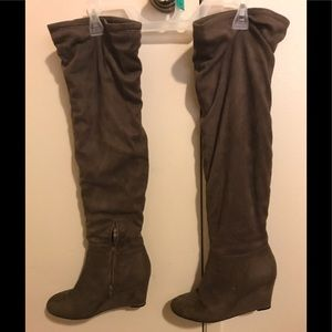 Knee high brown suede like wedge boots